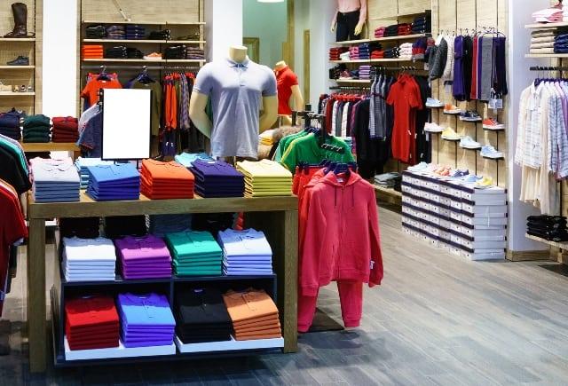 עיצוב פנים - חנות בגדים